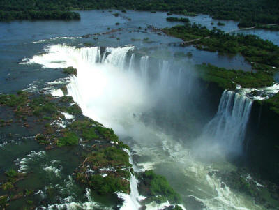 NATIONAL PARKS WORLDWIDE LARGEST LIST: Iguazu, one of the finest waterfalls worldwide.