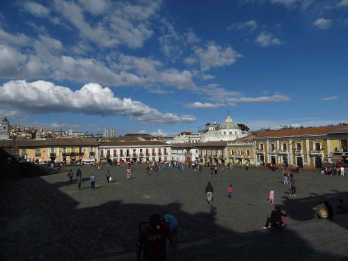 Do's and Don'ts in Ecuador: Take pictures in Quito in late afternoon
